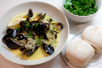 Mussels in white wine and cream